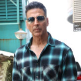 Akshay Kumar juggles his shooting schedules to spend some quality time with his mother and the netizens are in awe of the Sooryavanshi actor!