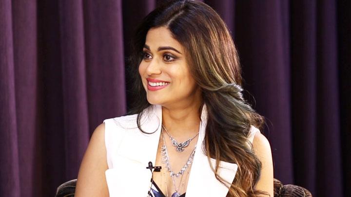 "LOL-""Best TV Host–Salman or Rohit Best Sense of Humour–SRK or Ajay""Shamita's SUPERB Rapid Fire"