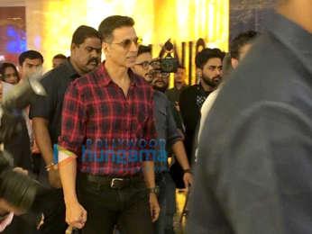 Photos: Akshay Kumar snapped promoting his film 'Mission Mangal'