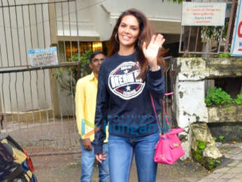 Photos: Esha Gupta and Khushi Kapoor spotted at Kromakay salon in Juhu