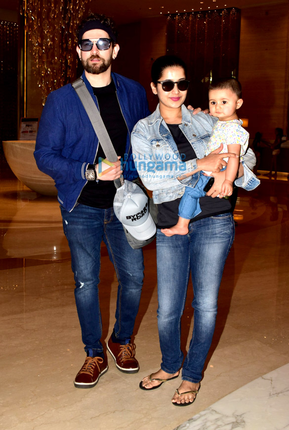 Photos Neil Nitin Mukesh snapped with family at JW Marriott in Juhu (3)