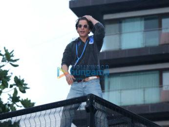 Photos: Shah Rukh Khan celebrates Eid with fans at Mannat