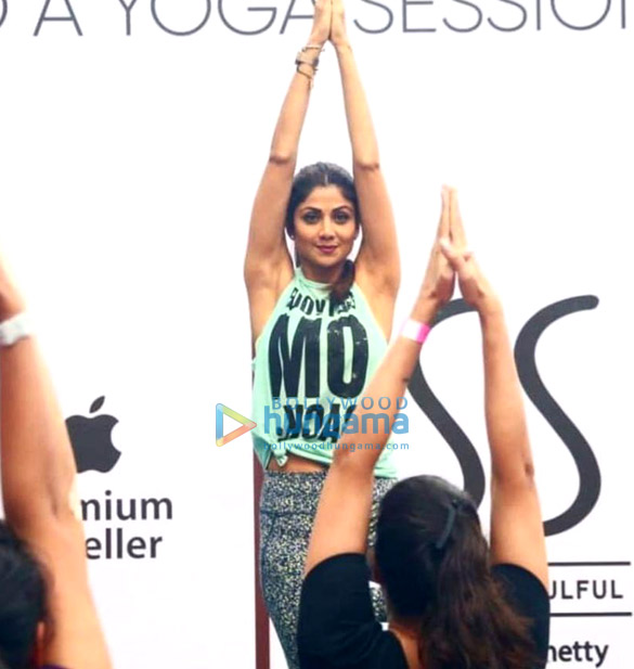 Photos Shilpa Shetty snapped post her yoga session (1)