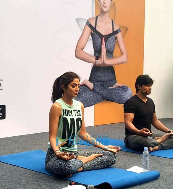 Photos Shilpa Shetty snapped post her yoga session (2)