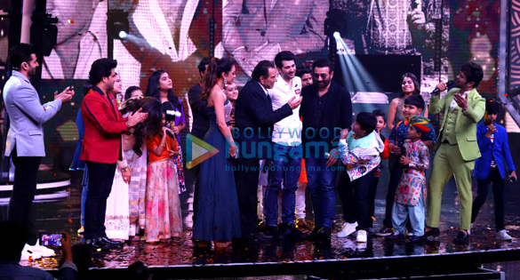 Dharmendra, Karan Deol, Sahher Bambba and Sunny Deol snapped on the sets of Superstar Singer to promote Pal Pal Dil Ke Paas (2)