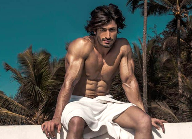Watch: Vidyut Jamwal challenges netizens to swings gas cylinder the way he does