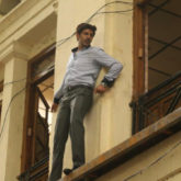 Kartik Aaryan pulls a daredevil stunt for Pati Patni Aur Woh; chooses to not use a harness