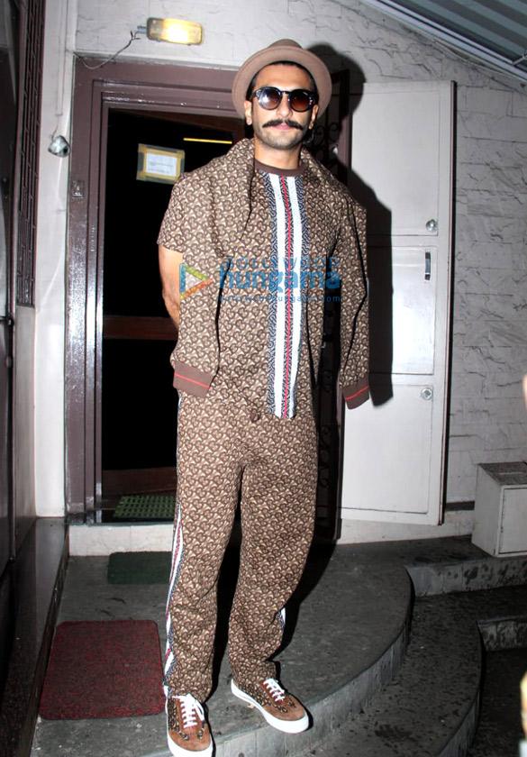 Photos Ranveer Singh spotted at Shankar Mahadevan's studio in Bandra (1)