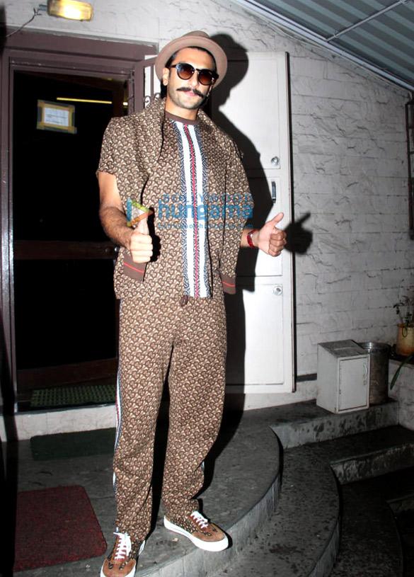 Photos Ranveer Singh spotted at Shankar Mahadevan's studio in Bandra (5)