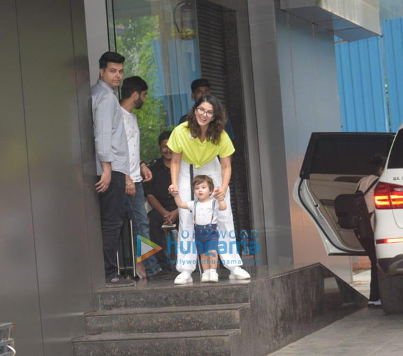 Photos Sunny Leone snapped with her kids at play school in Juhu (3)