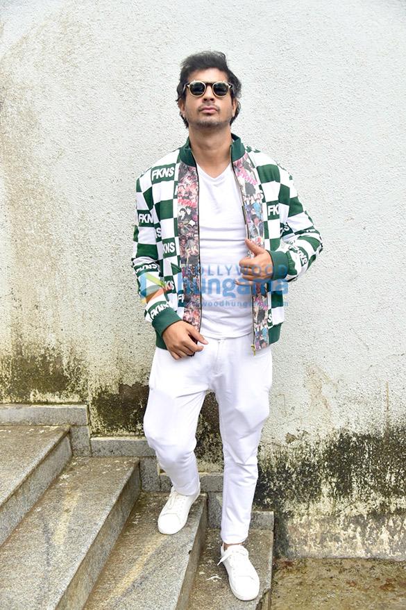 Photos Sushant Singh Rajput, Shraddha Kapoor, Varun Sharma and Tahir Raj Bhasin snapped during Chhichhore promotions (4)