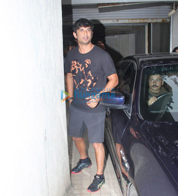 Photos Sushant Singh Rajput snapped at a dubbing studio in Khar (1)