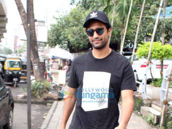 Photos: Vicky Kaushal snapped at Apple store in Andheri