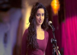 Shraddha Kapoor recreates the iconic jacket scene from Aashiqui 2, but not with Aditya Roy Kapoor