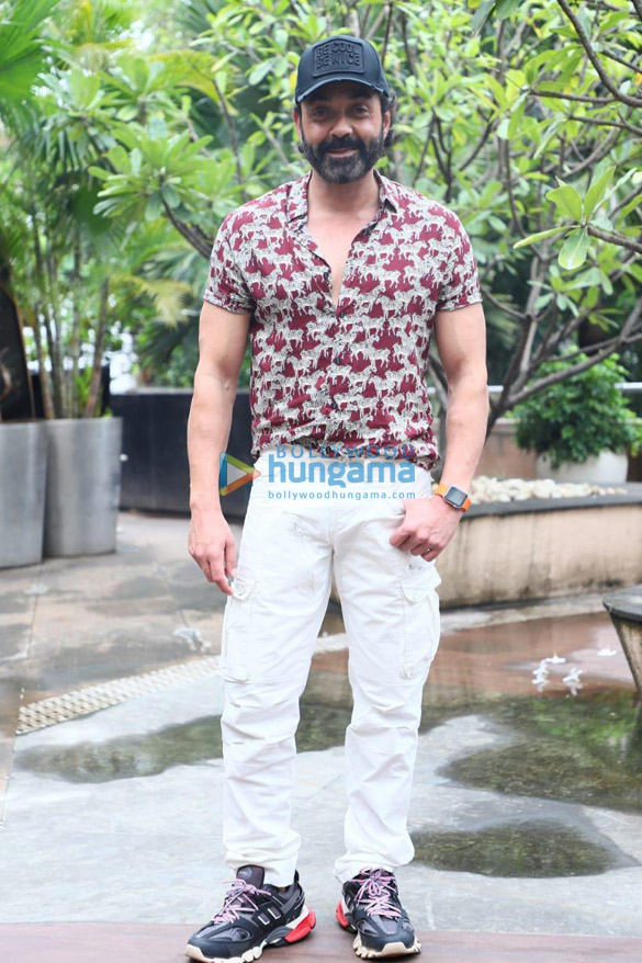 Photos Akshay Kumar, Kriti Sanon and others snapped promoting their film Housefull 4 (002)