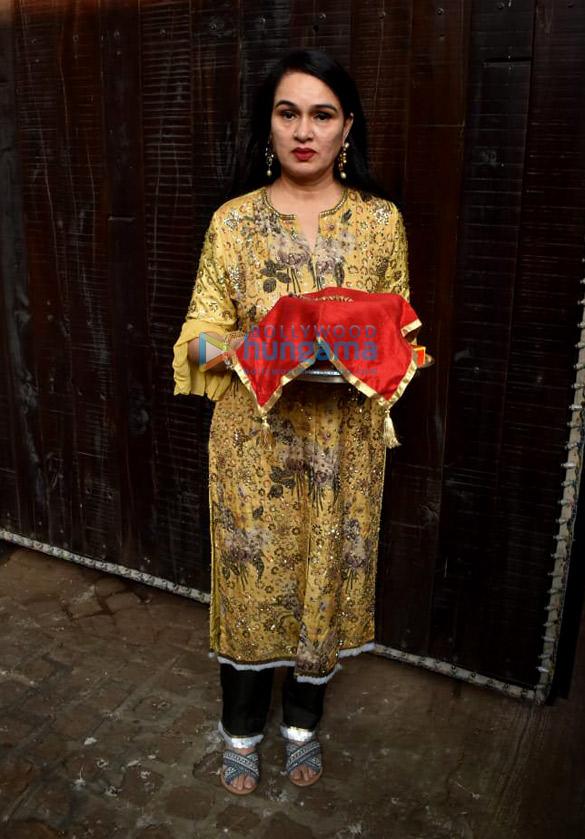 Photos Celebs snapped celebrating Karwa Chauth (10)
