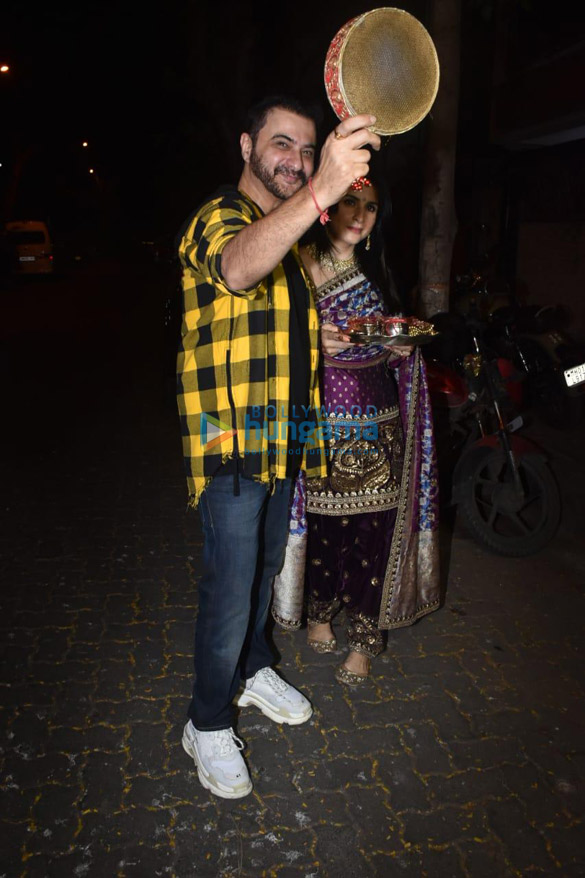 Photos Celebs snapped celebrating Karwa Chauth-121233 (5)