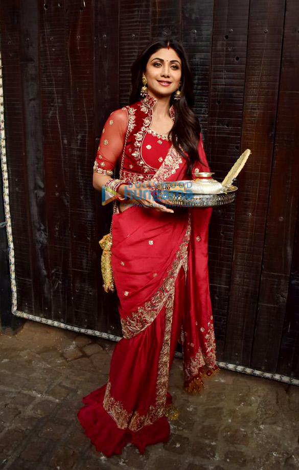 Photos Celebs snapped celebrating Karwa Chauth (2)