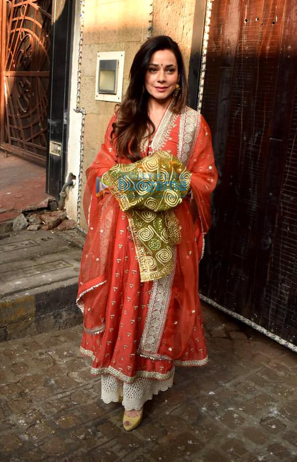 Photos Celebs snapped celebrating Karwa Chauth (9)
