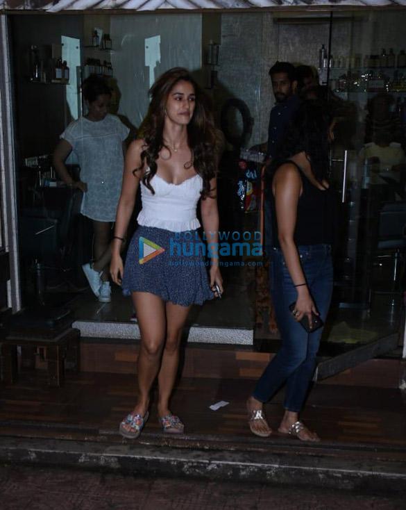 Photos Disha Patani snapped at a salon in Bandra (3)