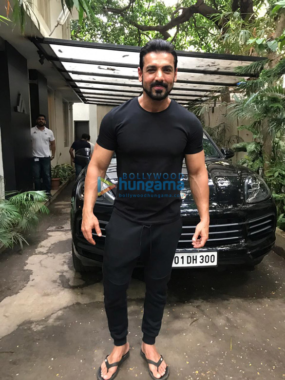 Photos John Abraham snapped posing with fans at his office (2)