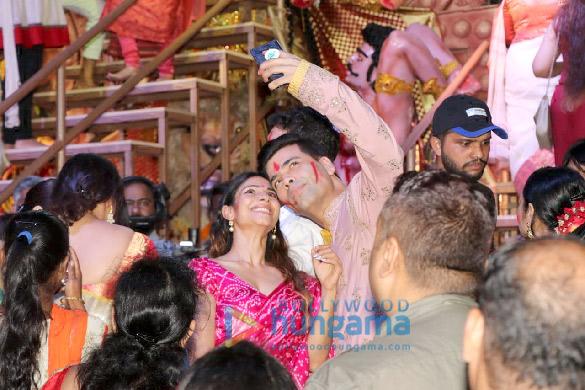 Photos Kajol, Rani Mukerji, Karan Johar and others snapped at Durga Puja (3)