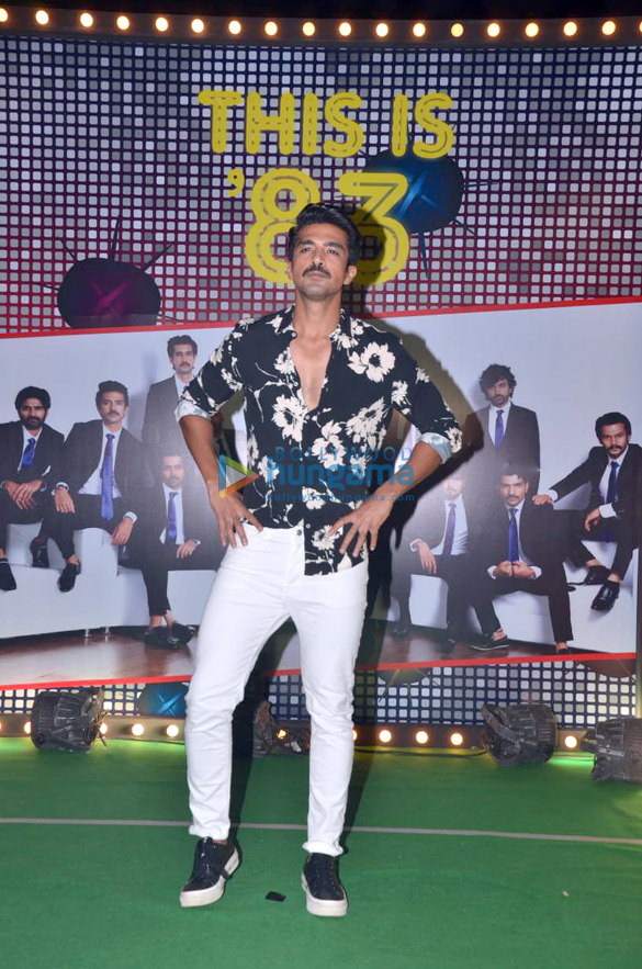 Photos Ranveer Singh, Deepika Padukone and others grace the wrap up party of '832 (9)