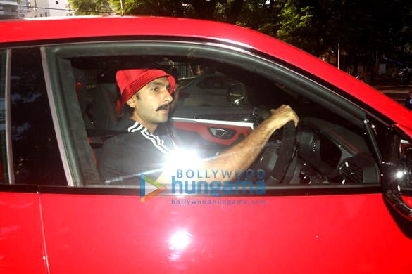 Photos Ranveer Singh snapped driving his new Lamborghini Urus-023 (7)