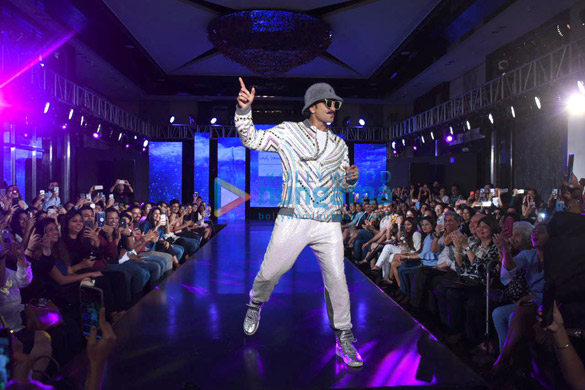 Photos Ranveer Singh walks the ramp for Simone Khambatta and Anantaa at The Wedding Junction (4)