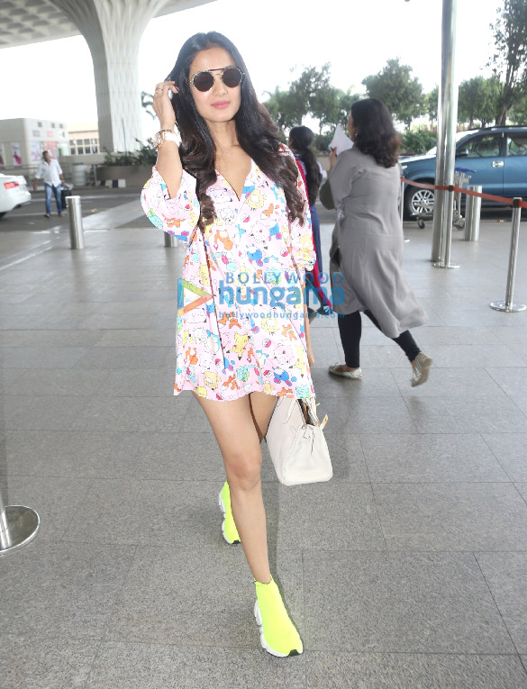 Photos Sonal Chauhan snapped at the airport (2)