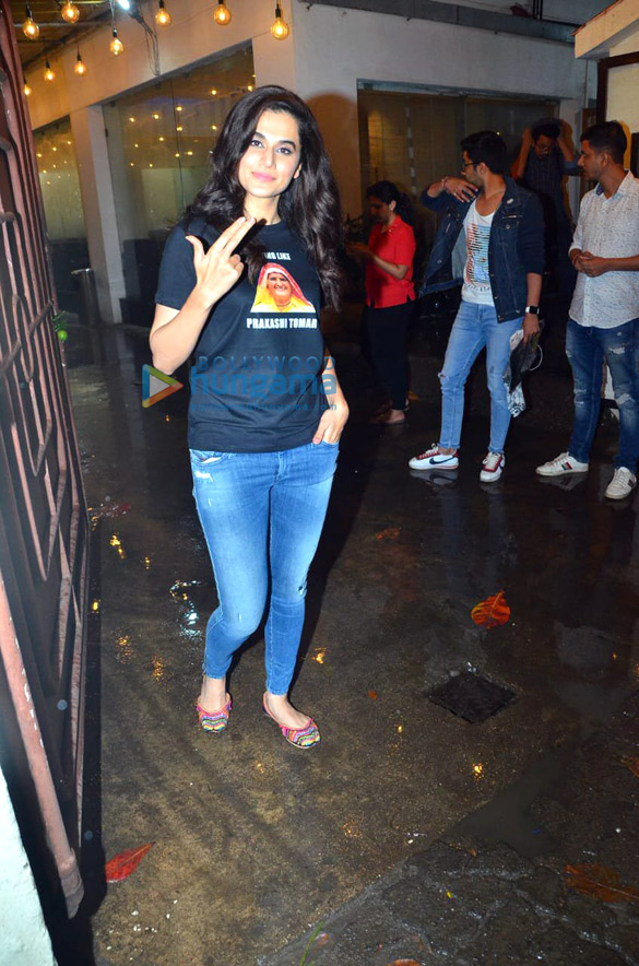 Photos Taapsee Pannu and Bhumi Pednekar spotted at Sunny Super Sound in Juhu (1)