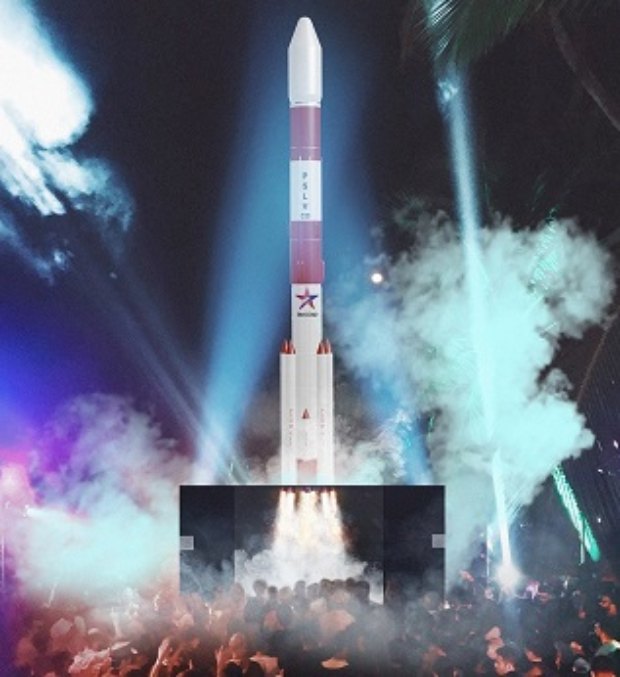Star Gold installs a 40 ft rocket to celebrate Mission Mangal's World TV Premiere