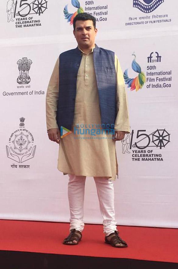 Photos Amitabh Bachchan, Rajinikanth, Karan Johar and others snapped at the opening ceremony of IFFI 2019 (7)
