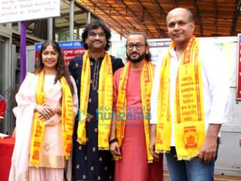 Photos: Ashutosh Gowariker, Sunita Gowariker and Ajay - Atul visit Siddivinayak temple
