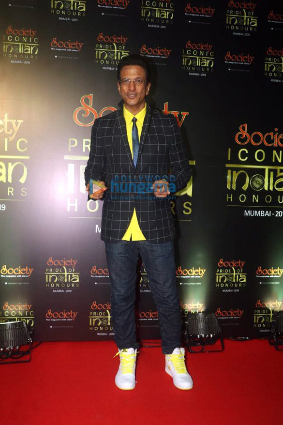 Photos Celebs grace the Society Iconic Indian Honours Awards 20192 (3)