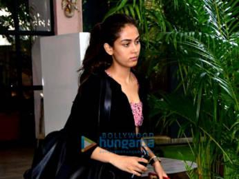 Photos: Janhvi Kapoor, Amrita Arora and Mira Kapoor spotted at the gym