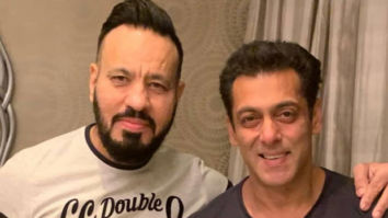 """""""25 years and still Being Strong"""": Salman Khan shares a photo with bodyguard Shera"""