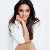 Kiara Advani has a surprise visitor on the sets as she shoots for Indoo Ki Jawani