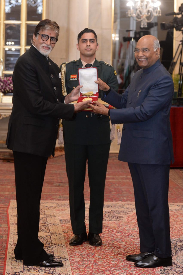 Amitabh Bachchan receives Dadasaheb Phalke Award from President Ram Nath Kovind in New Delhi