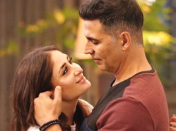 Good Newwz This still from the song 'Maana Dil' starring Akshay Kumar and Kareena Kapoor Khan will make you fall in love with them