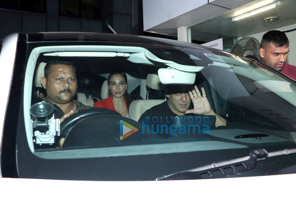 Photos Aayush Sharma, Helen and others spotted at Hinduja Hospital1 (2)