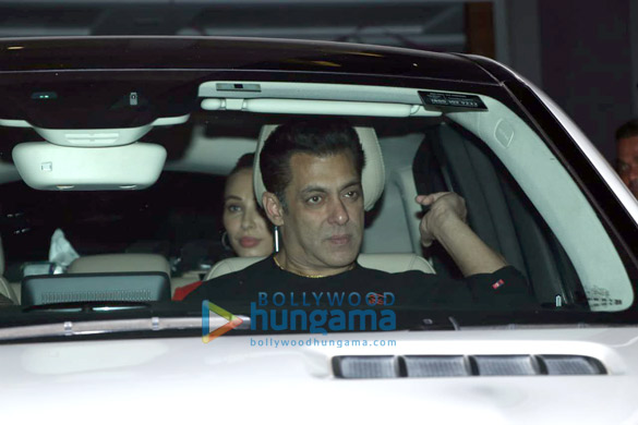 Photos Aayush Sharma, Helen and others spotted at Hinduja Hospital1 (3)