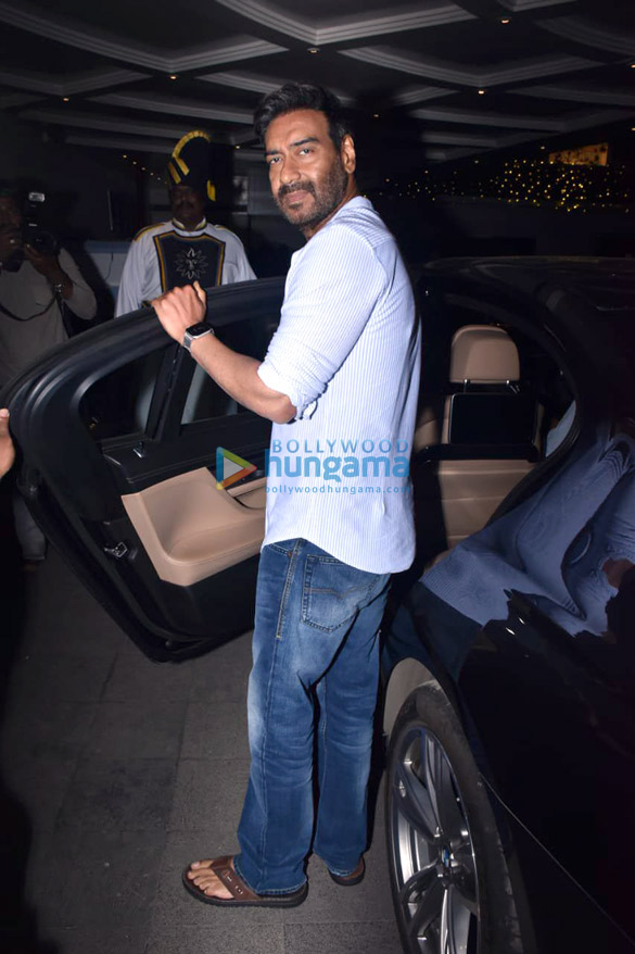 Photos Ajay Devgn snapped during Tanhaji – The Unsung Warrior promotions in Juhu (1)