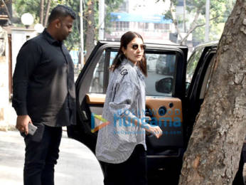 Photos: Anushka Sharma spotted at a clinic in Juhu