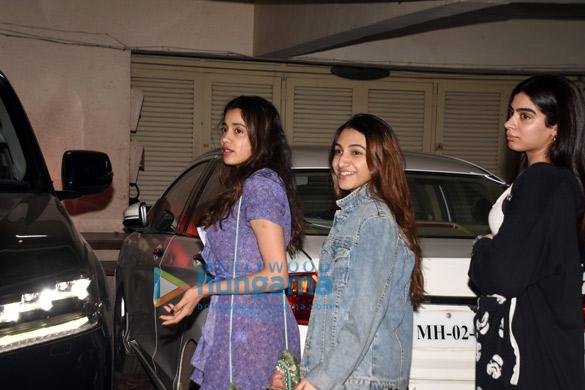 Photos Janhvi Kapoor, Khushi Kapoor, Shanaya Kapoor and Boney Kapoor grace Anshula Kapoor's birthday bash (1)