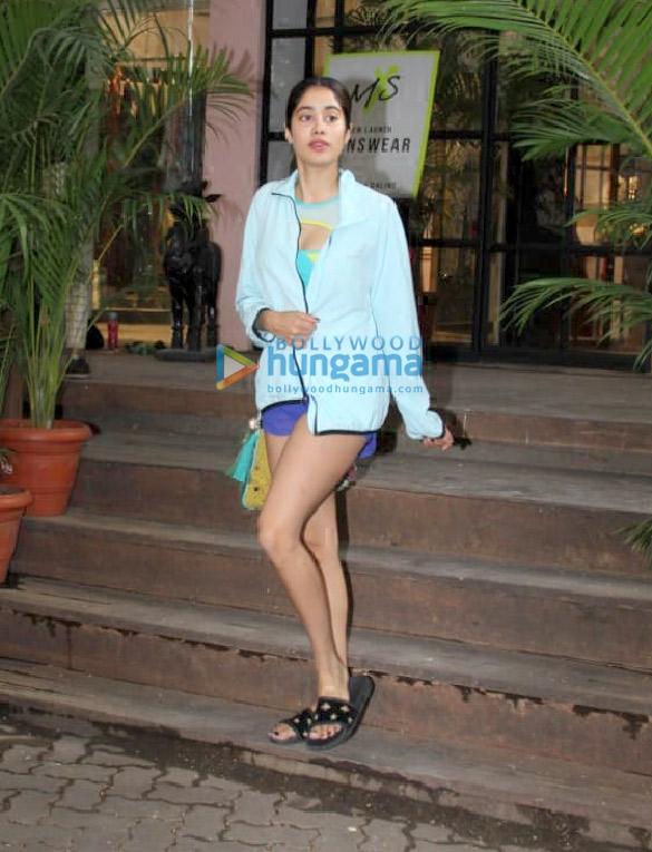 Photos: Janhvi Kapoor snapped at Pali Hill, Bandra