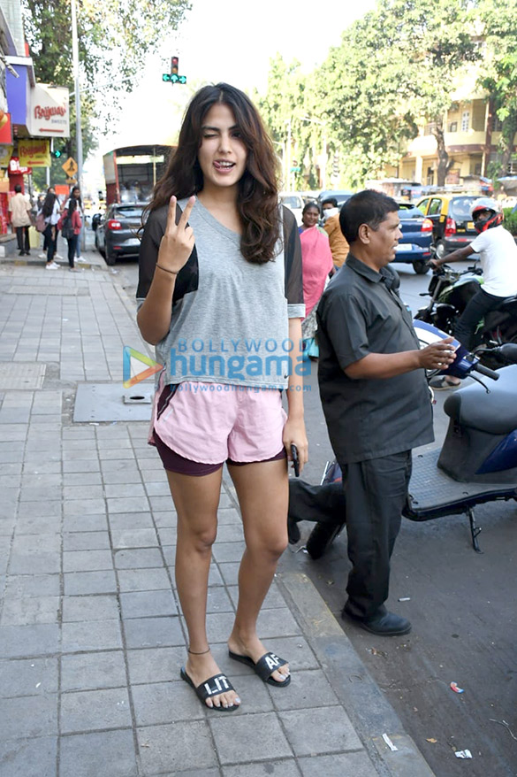 Photos Rhea Chakraborty spotted at Sequel in Bandra (3)