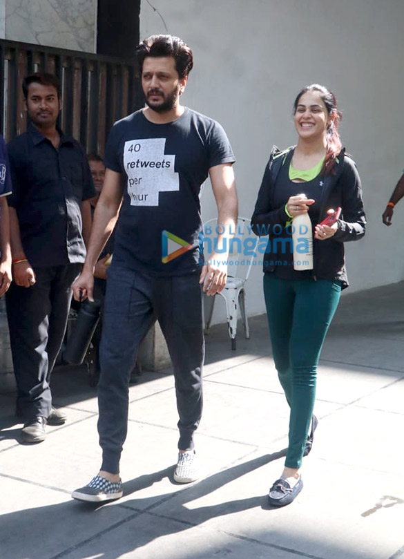 Photos Riteish Deshmukh and Genelia Dsouza spotted at the gym in Khar (1)