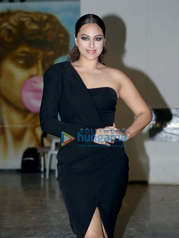 Photos Salman Khan, Sonakshi Sinha, Daisy Shah and others grace Saiee Manjrekar's birthday bash (12)