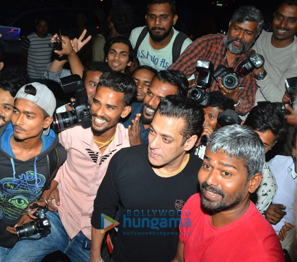 Photos Salman Khan celebrates his birthday with media (6)